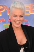 "Pink (Alecia Moore) - ""Happy Feet Two"" world premiere at Grauman's Chinese Theatre in Hollywood 13/11/'11"
