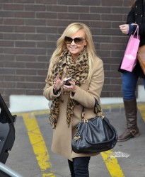 Эмма Бантон, фото 2250. Jan. 23th - London - Emma Bunton Leaving ITV Studios, foto 2250