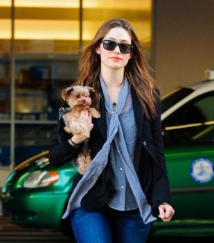 Эмми Россам, фото 3332. Emmy Rossum Looks Great with Her Dog LAX 2/17/12, foto 3332