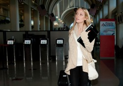 Кристин Каваллари Кавалери, фото 4687. Kristin Cavallari Cavalleri at Los Angeles International, february 19, foto 4687