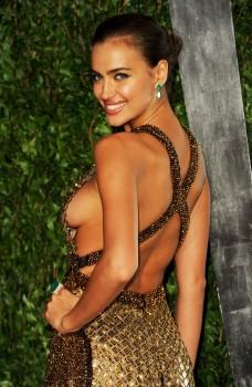 *Adds*Irina Shayk *Side Boob* @ 2012 Vanity Fair Oscar Party February 26, 2012 HQ