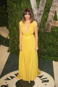 Рашида Джонс, фото 468. Rashida Jones 2012 Vanity Fair Oscar Party - February 26, 2012, foto 468