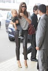 Миранда Керр, фото 3729. Miranda Kerr Sydney Airport arrival, february 28 / tagged, foto 3729,