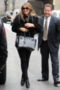 Элизабет Харли, фото 2331. Elizabeth Hurley leaving a restaurant in NYC 01.03.12, foto 2331
