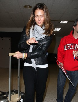 Джессика Альба, фото 25411. Jessica Alba Arrives at LAX. march 3, foto 25411