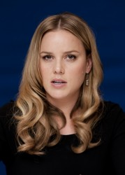 Эбби Корниш, фото 622. Abbie Cornish 'W.E.' Portraits during 2011 Toronto Film Festival - September 9, 2011, foto 622