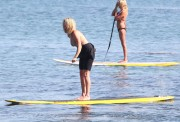 Рэйчел Хантер, фото 433. Rachel Hunter at a Malibu beach - 04/03/12, foto 433
